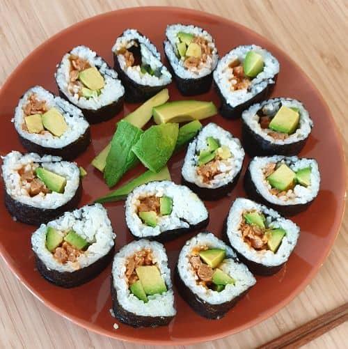 sushi with tuno